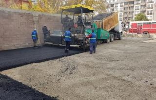 İlçelerdeki duraklar Büyükşehir tarafından asfaltlanıyor