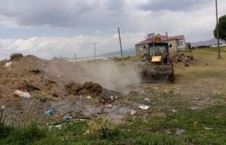 Çaldıran Belediyesi kırsal mahallelerde temizlik...