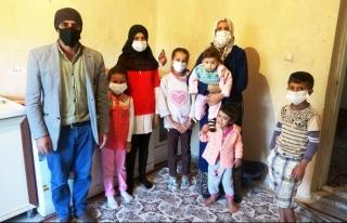 Van'daki 9 nüfuslu aile yardım bekliyor