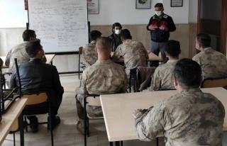 Çatak'ta jandarma personeline eğitim...