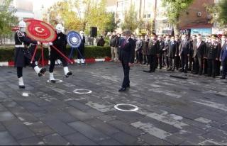Van'da Gazi Mustafa Kemal Atatürk saygıyla anıldı