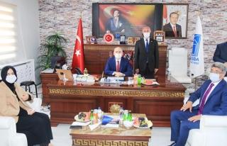 Bakan Karaismailoğlu'ndan, Tuşba Belediyesi'ne ziyaret...