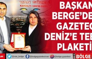 Başkan Berge'den, Gazeteci Deniz'e tebrik...