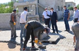 Erciş'te kilitli parke taşı çalışmaları...