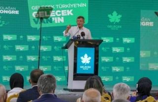 Davutoğlu, Van'da anadilde eğitimi savundu