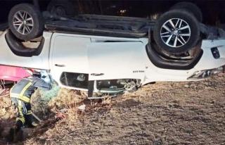 Başkale'de kamyonet takla attı: 4 yaralı...