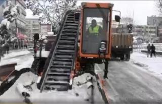 İpekyolu Belediyesi'nden karla mücadele çalışmaları…