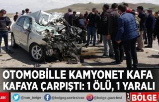 Otomobille kamyonet kafa kafaya çarpıştı: 1 ölü,...