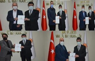 Türkmenoğlu, ilçe koordinatörlerine mazbatalarını...