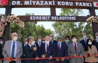 Bakan Karaismailoğlu, Edremit'teki parkın açılışını...