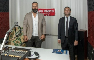 Başkan Vekili Aslan, İlaç Radyo'da hizmetlerini...