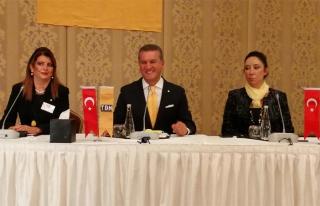 Mustafa Sarigül, kuracağı partinin üyeleri ile...