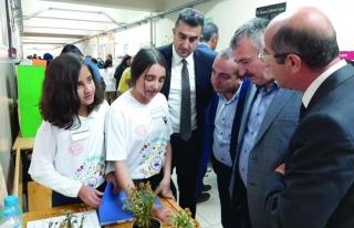 Ortaokul öğrencilerinden bilim fuarı sergisi…