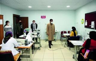 Başkan Şeylan'dan, maske üretim atölyesine ziyaret…