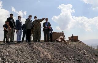 Vali Bilmez, İran sınırındaki güvenlik duvarlarını...