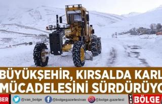 Van Büyükşehir, kırsalda karla mücadelesini sürdürüyor