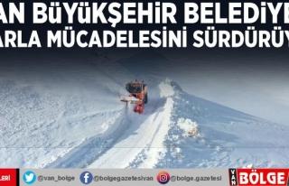 Van Büyükşehir Belediyesi karla mücadelesini sürdürüyor