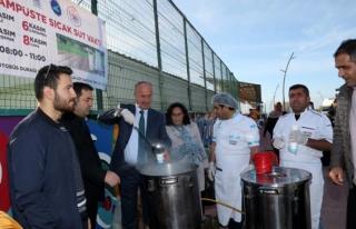 Tuşba Belediyesi'nden, öğrencilere süt ikramı…