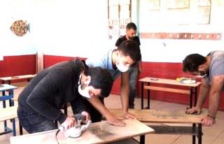Gönüllü öğretmenler kendi imkanları ile okulu...