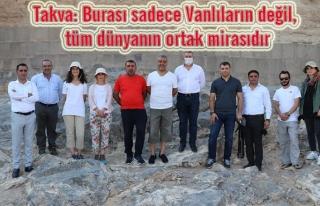 Van TSO yönetimi Ayanıs'taki kazı çalışmalarını...