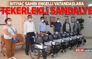 İhtiyaç sahipleri tekerlekli sandalyelerine kavuştu