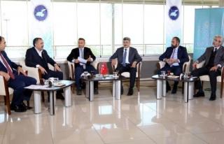 TRT Kurdi, YYÜ'de canlı yayın yaptı
