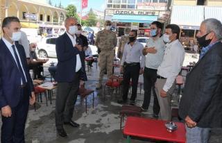 Tuşba'da kaymakam ve belediye başkanından koronavirüs...