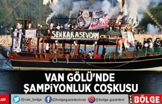Beşiktaş taraftarının Van Gölü'nde şampiyonluk...