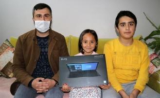 Başlattığı kampanya ile öğrencilere 15 bilgisayar dağıttı
