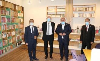 Van Milletvekilleri, Edremit'teki millet kıraathanesini ziyaret etti