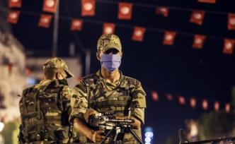 Tunus'ta 1 ay süreyle sokağa çıkma yasağı ilan edildi