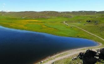 Keşiş Gölü hayran bırakıyor