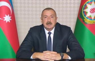 Aliyev: Ateşkes isteyenler Ermenistan'a silah gönderiyor