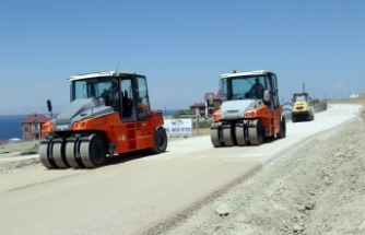 Büyükşehir'den tatilcileri sevindiren asfalt çalışması