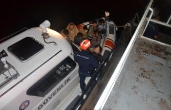 Van Gölü'nde şişme botta 60 göçmen yakalandı