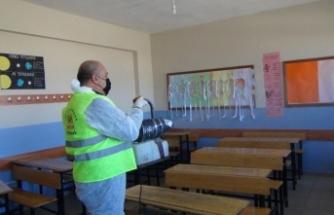 İpekyolu'ndaki okullarda dezenfekte çalışmaları…