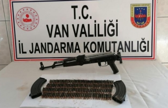 Van'daki terör operasyonunda silah ve mühimmat ele geçirildi