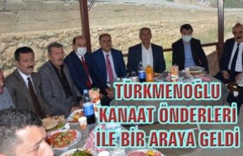 Türkmenoğlu, Başkale'de kanaat önderleriyle bir araya geldi