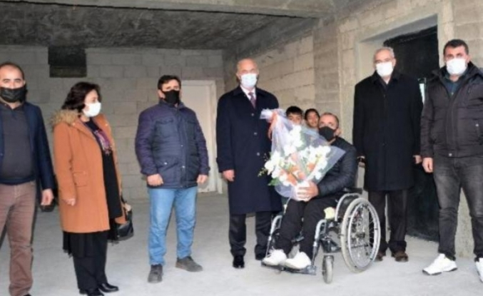 Başkan Akman'dan engelli vatandaş asansör...