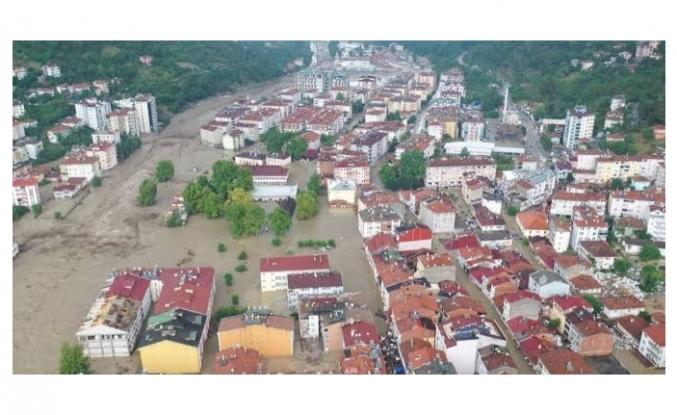 Karadeniz'deki sel felaketinin bilançosu artıyor