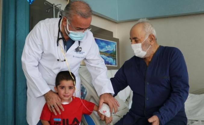 Lokman Hekim'de 3 ve 83 yaşındaki hastalara kalp ameliyatı