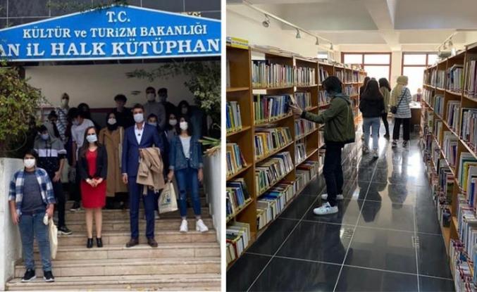 Van Çocuk Evi'nde kalan çocuklar kütüphaneyi ziyaret etti